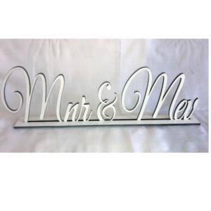 White Mnr & Mev Sign